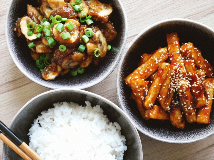 sticky mushrooms & sweet and spicy tofu